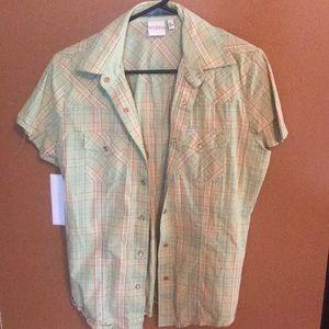 Short sleeve pearl snap/western style shirt